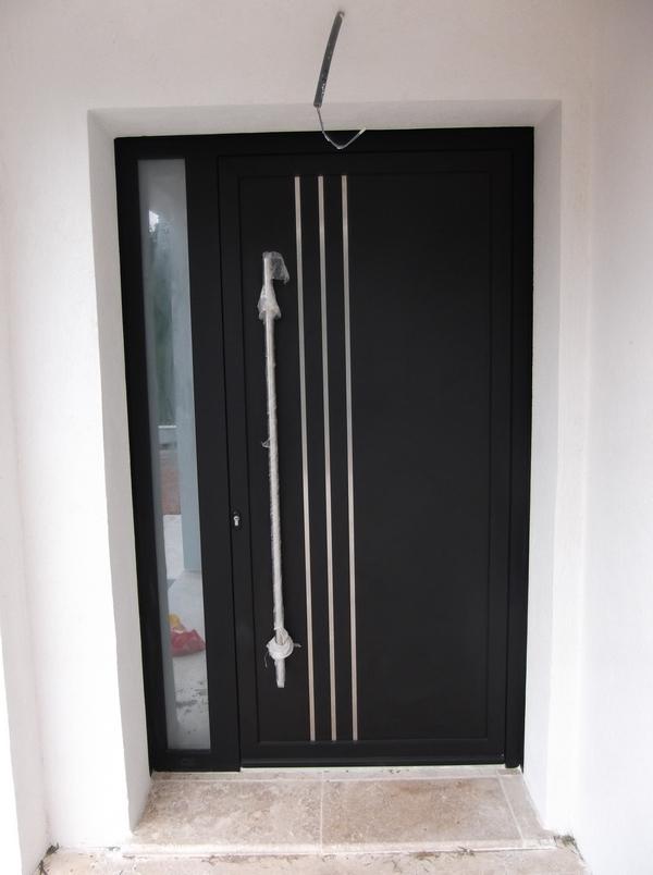 Portas de entrada em alum nio ou pvc bramial - Porta e bini catalogo ...